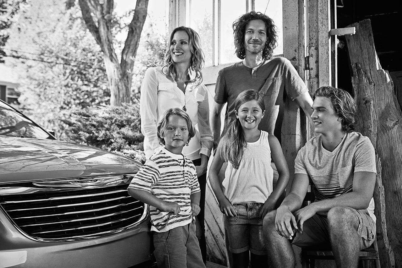 2014-Chrysler-TownCountry-13b